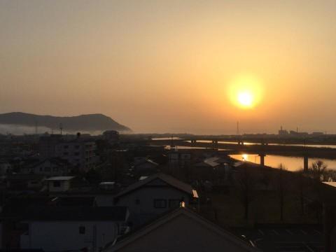 延岡の朝 幻想的な夜明けでした。