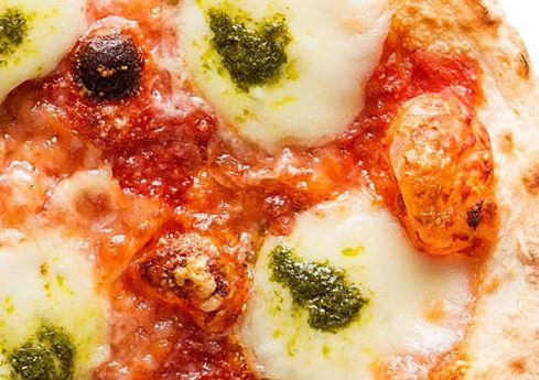 森山ナポリのダブルチーズマルゲリータあつあつが美味しい